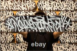 JonOne Peinture originale sur skateboard street art signé et numeroté 69 ex